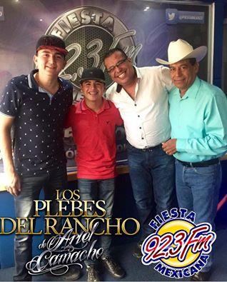 Los plebes del rancho visitan cabina 92 3 fiesta mexicana for Cuarto integrante de los plebes del rancho